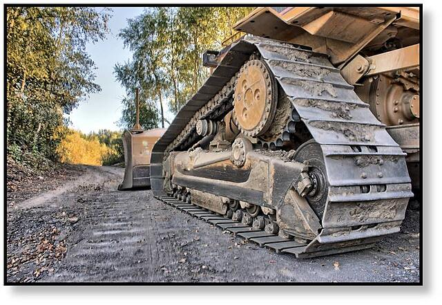 Caterpillar-bulldozer-high-drive-final-drive.jpg