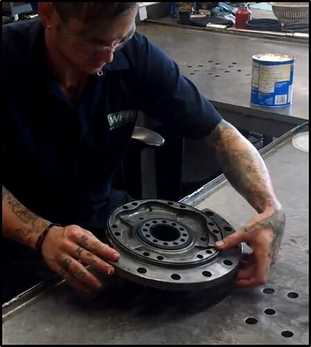 applying-lubricant-during-reassembly-final-drive-hydraulic-motor