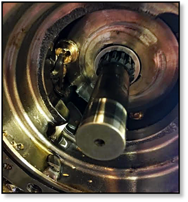 blown-piston-shoes-final-drive-track-drive-hydraulic-motor-case-line-drive-shaft-01