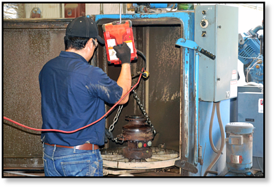 final-drive-track-motor-cleaning-wash-cabinet