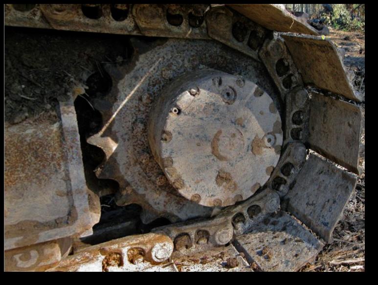 track-drive-final-drive-tracks