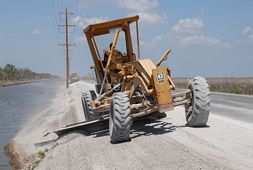 Motor-grader_Photograph_by_Marvin_Nauman_taken_on_05-19-2006_in_Louisiana