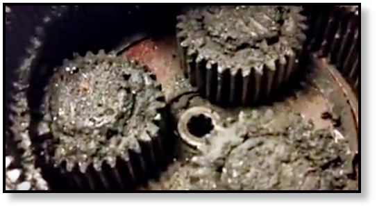 final-drive-hydraulic-motor-gear-oil-sludge-2