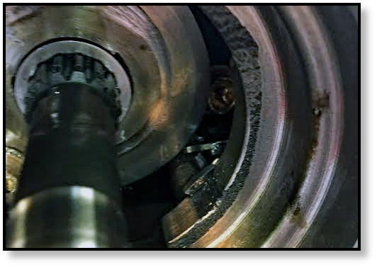 blown-piston-shoes-final-drive-track-drive-hydraulic-motor-case-line-drive-shaft-02.png